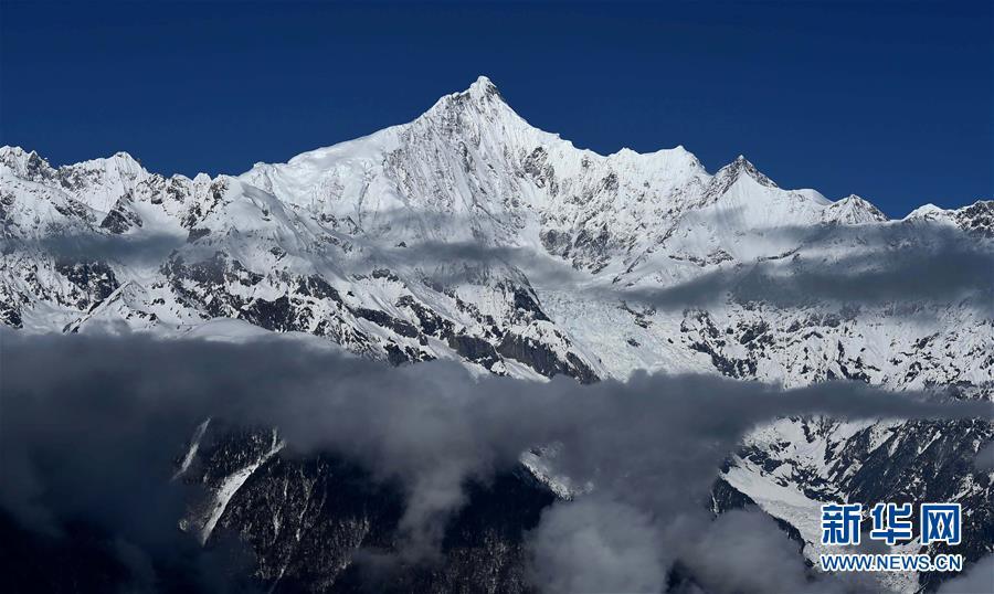 (環境)(1)雲上梅裏雪山