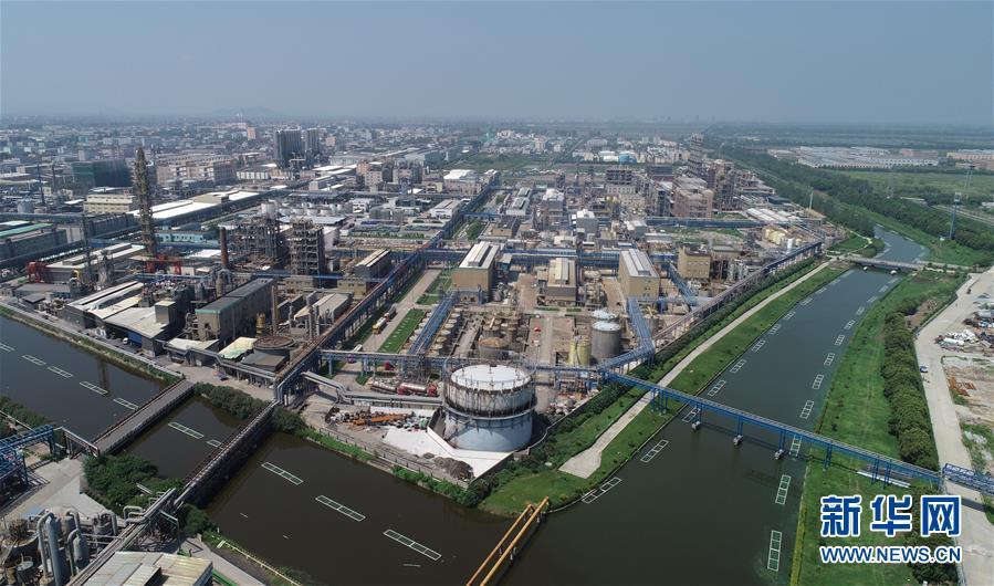 杭州湾上虞经济技术开发区鸟瞰(8月5日无人机拍摄).