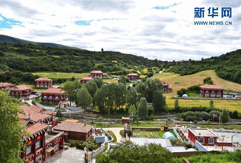(新華全媒頭條·圖文互動)(5)命運的轉折——寫在四川甘孜藏族自治州建州70年之際