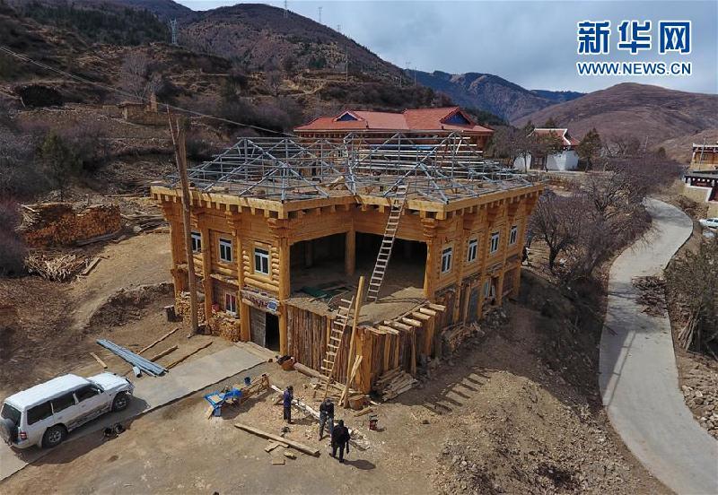 (新華全媒頭條·圖文互動)(3)命運的轉折——寫在四川甘孜藏族自治州建州70年之際