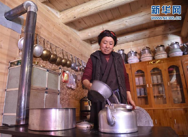 (新華全媒頭條·圖文互動)(4)命運的轉折——寫在四川甘孜藏族自治州建州70年之際