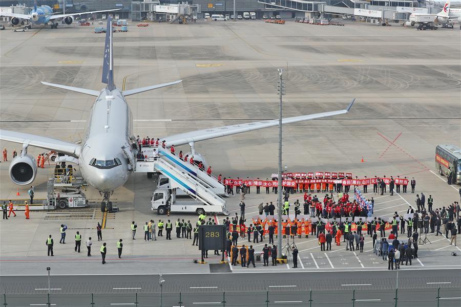 上海160名援助湖北队员返沪