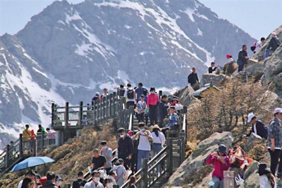 陕西旅游市场持续向好 本地人游本地成主流