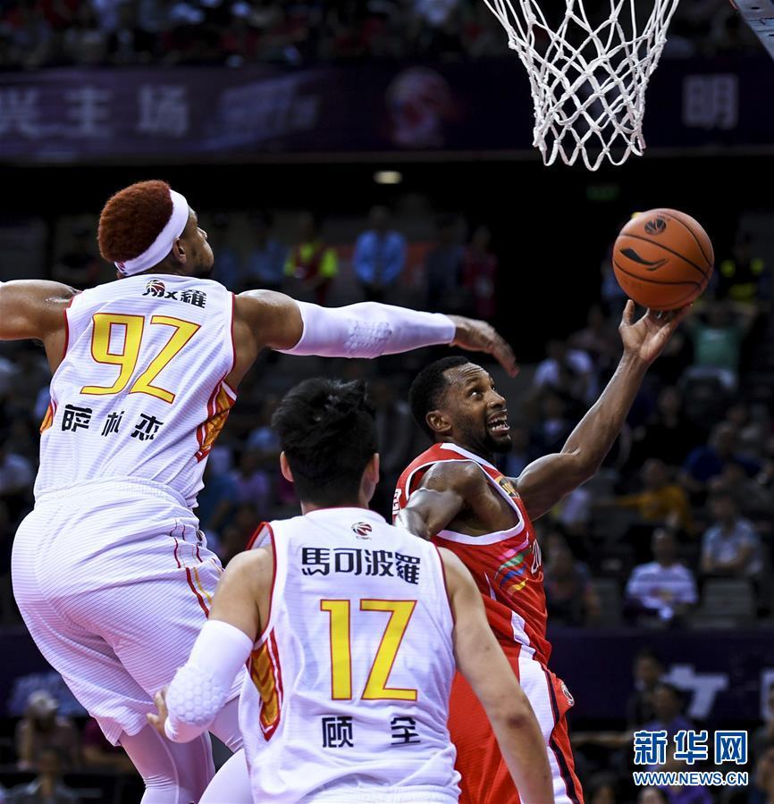 篮球--CBA:深圳马可波罗迎战时代中国广州