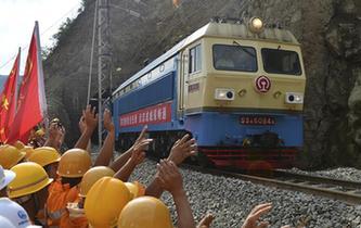 連續奮戰16天 寶成鐵路順利搶通