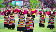 西藏日喀則第十六屆珠峰文化旅遊節開幕
