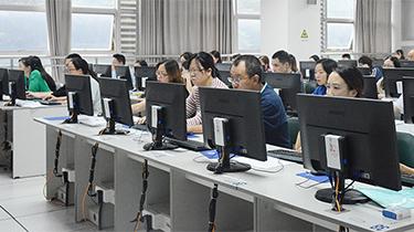 走進2019重慶高考閱卷場 你的考卷這樣打分