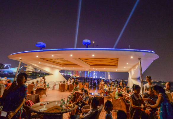 夜遊長沙成旅遊新爆點!上半年長沙線上夜遊産品消費量增長超85%