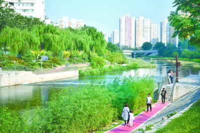 """""""淘米式清淤""""去了涼水河臭味 設置沿河步道"""
