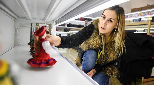 俄羅斯姑娘維多利亞:我在滿洲裏做生意