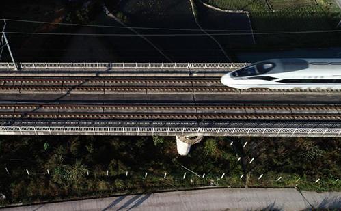 貴州凱裏:整治高鐵路外安全隱患