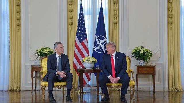 北約秘書長斯托爾滕貝格與美國總統特朗普會談
