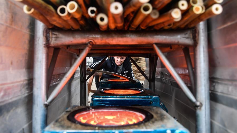 廣西融安:開發竹木制品拓寬脫貧路