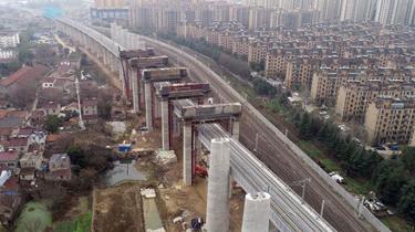 鎮宣鐵路跨商合杭鐵路先期工程主體結構順利完成