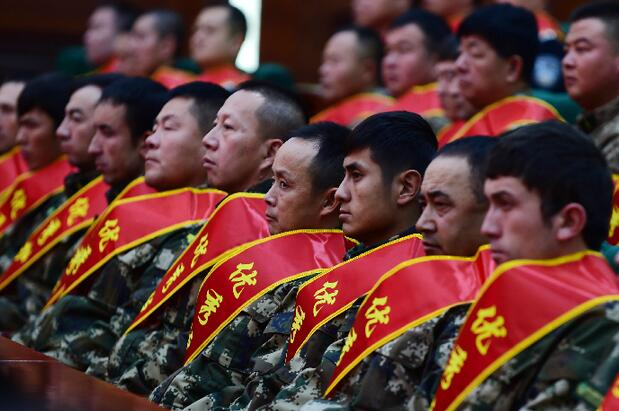 新疆表彰百名優秀群眾護邊員