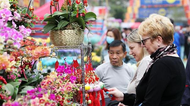香港:選購花卉迎佳節