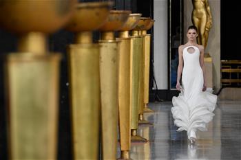 巴黎高級定制周:斯特凡·羅蘭發布春夏新品