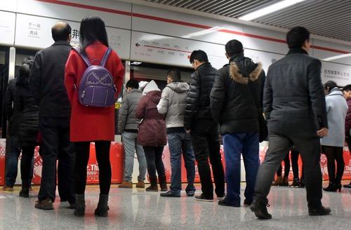 鄭州地鐵疫情防控措施升級 乘地鐵須測量體溫
