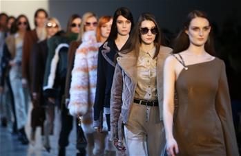 Vivienne Hu品牌亮相紐約時裝周