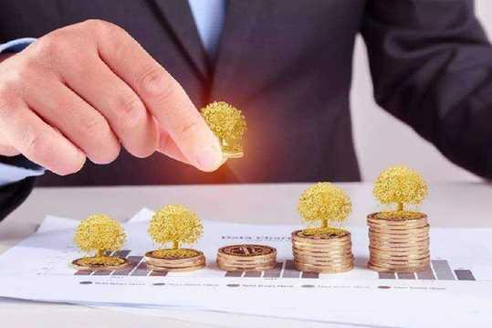 持牌消費金融公司業績分化 行業擴容提速巨頭持續入場