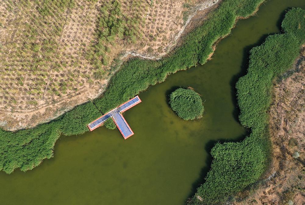旱垣上的天湖國家濕地公園