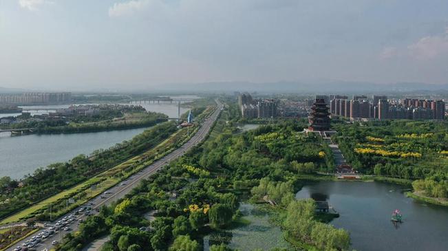 河北遷安:清水潤城