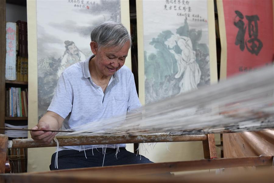 福建永春:千年紙織畫的傳承