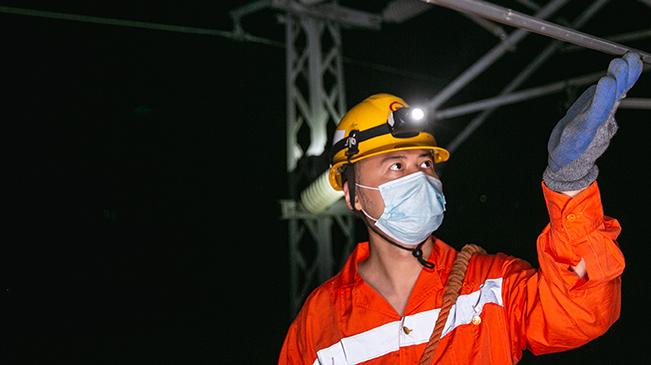 """午夜裏的鐵路""""體檢師"""""""