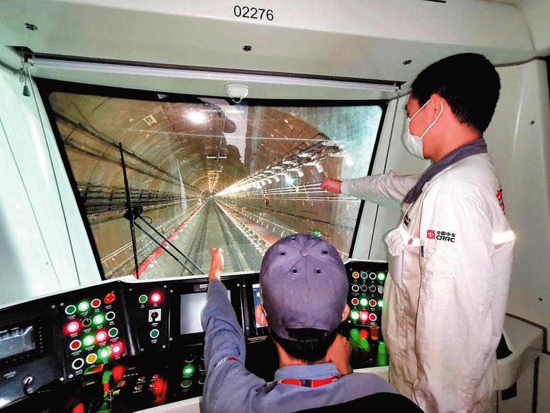 南寧地鐵2號線東延線熱滑成功