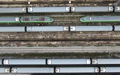 重慶:列車檢修迎暑運