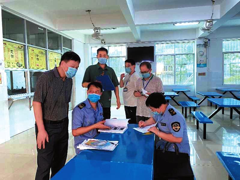 監督員進駐156家學校讓考生放心用餐