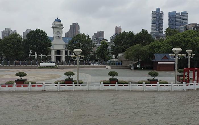 長江武漢段水位上漲 黃花磯觀江亭被淹