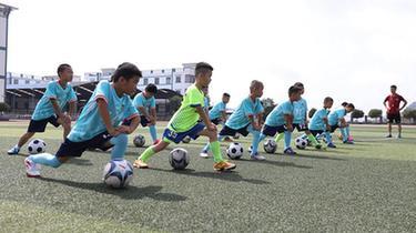 貴州丹寨:暑期足球樂