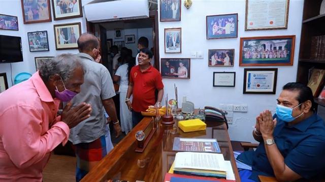斯裏蘭卡執政黨在議會選舉中獲得壓倒性勝利