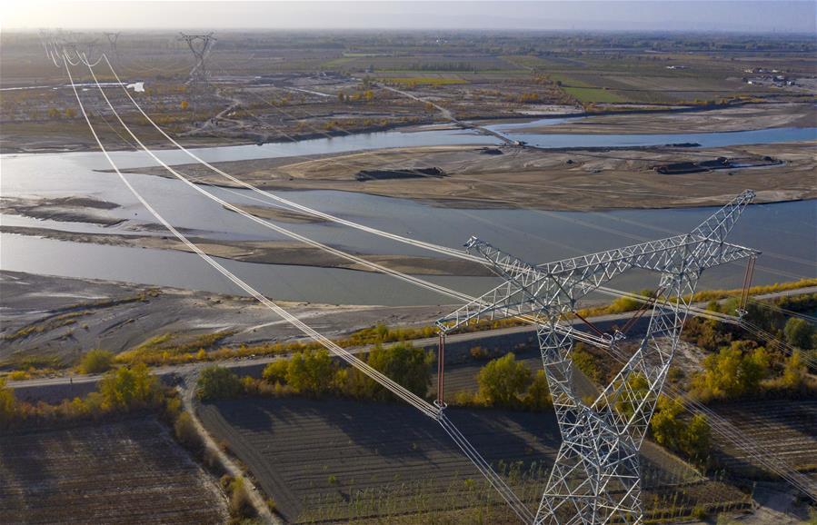 新疆庫車—阿克蘇—巴楚II回750千伏輸變電工程建設忙