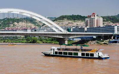 甘肅蘭州:重陽節當天 老年人免費乘船遊黃河