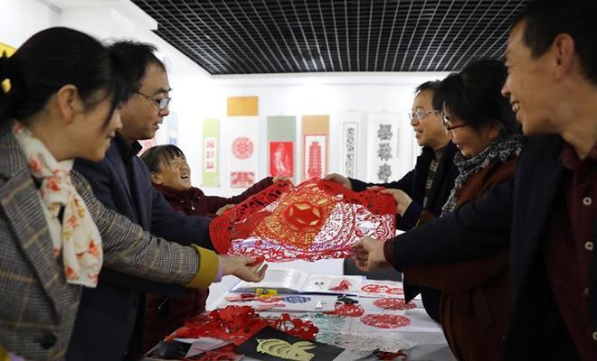 甘肅會寧:傳承剪紙藝術