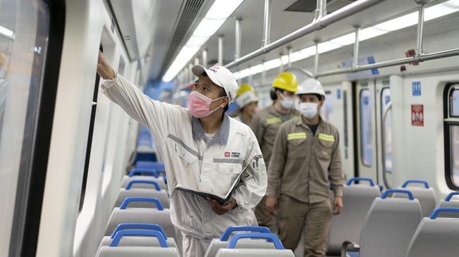 疫情下中國技術人員保障阿根廷城際鐵路正常運營