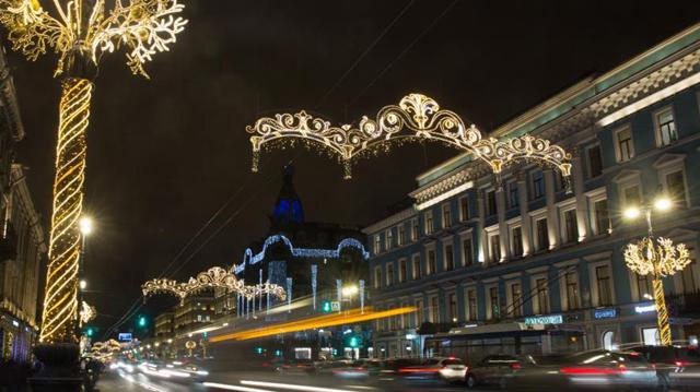 聖彼得堡亮燈迎新年