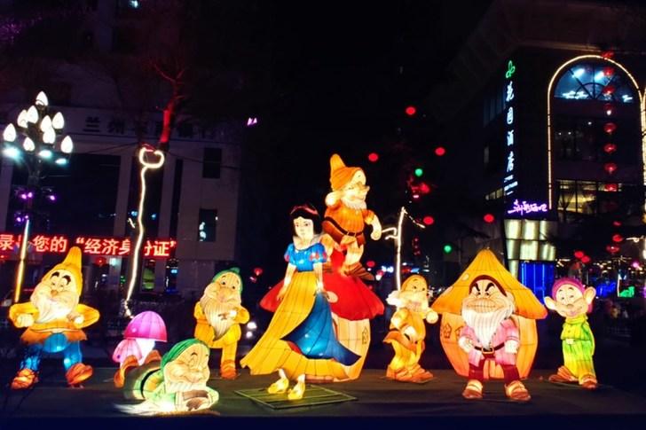 蘭州:賞燈金城公園喜迎元宵佳節