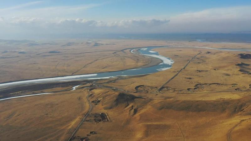 新華網航拍丨黃河在四川若爾蓋舞起一支動人的華爾茲