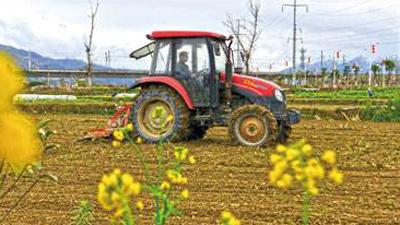 安徽省強化農機化生産服務春耕春管