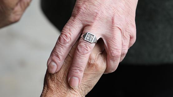 一枚戒指背後跨越87年的守護