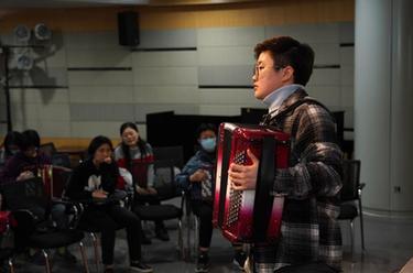 上海市民藝術夜校開學