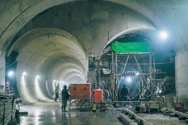首都機場線西延左線隧道貫通 未來換乘方便快捷