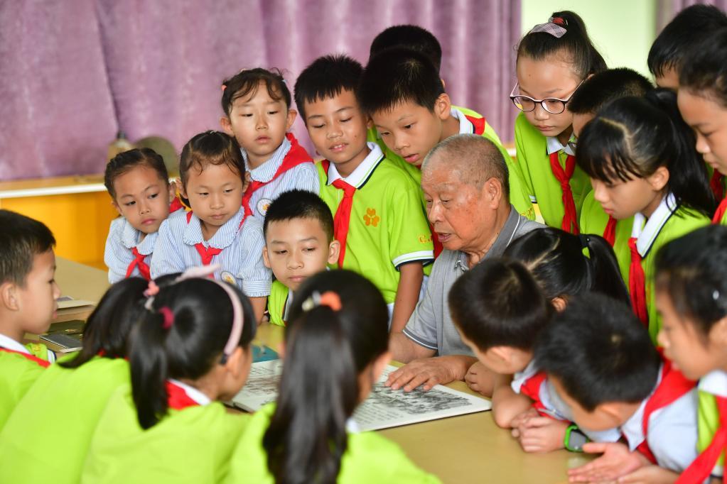 廣西柳州:黨史教育進課堂