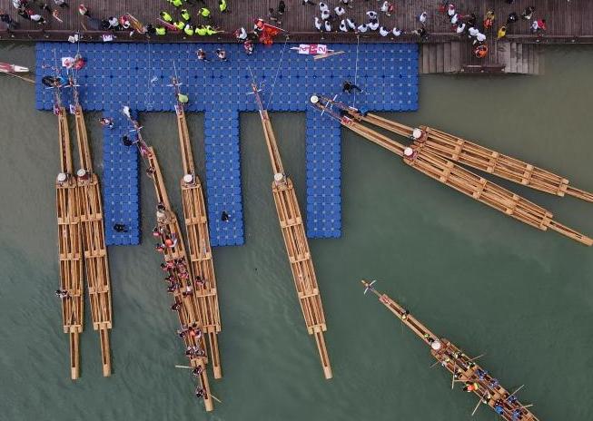 貴州施秉:獨木龍舟競渡迎端午