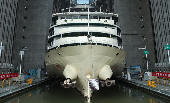 三峽升船機5年通過船舶1.46萬余艘次