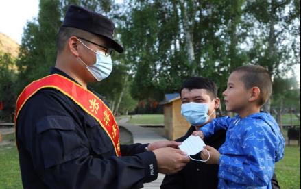 民警李新鵬:從海南到新疆,爭當新時代可可托海戍邊人