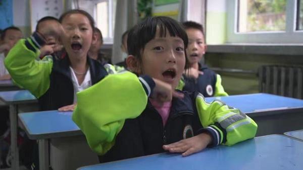 新華全媒+|愛牙日這天,孩子們唱這首刷牙歌紀念他